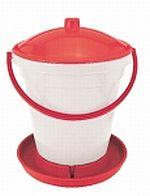 Napájecí kbelíky pro drůbež