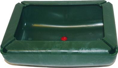 Plastový přímý krmný a napájecí žlab OK PLAST pro koně s výpustnou zátkou 17 l