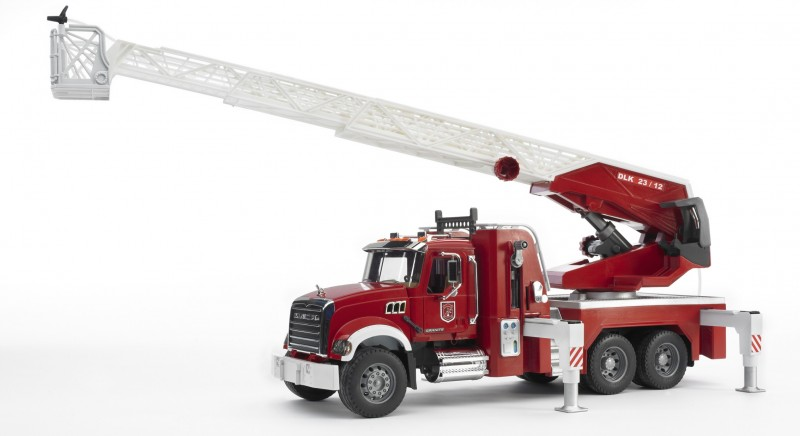 Bruder - MACK Granite požární vozidlo s vodním dělem