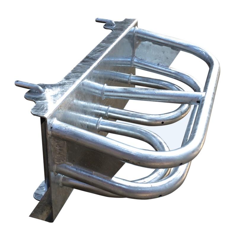 Dvojitý držák lizů FI'XO DUETTO pro lizy 20 kg v kbelíku pro připevnění na hrazení