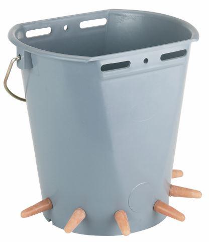 Napájecí kbelík 8 l pro jehňata a kůzlata 6 dudlíků