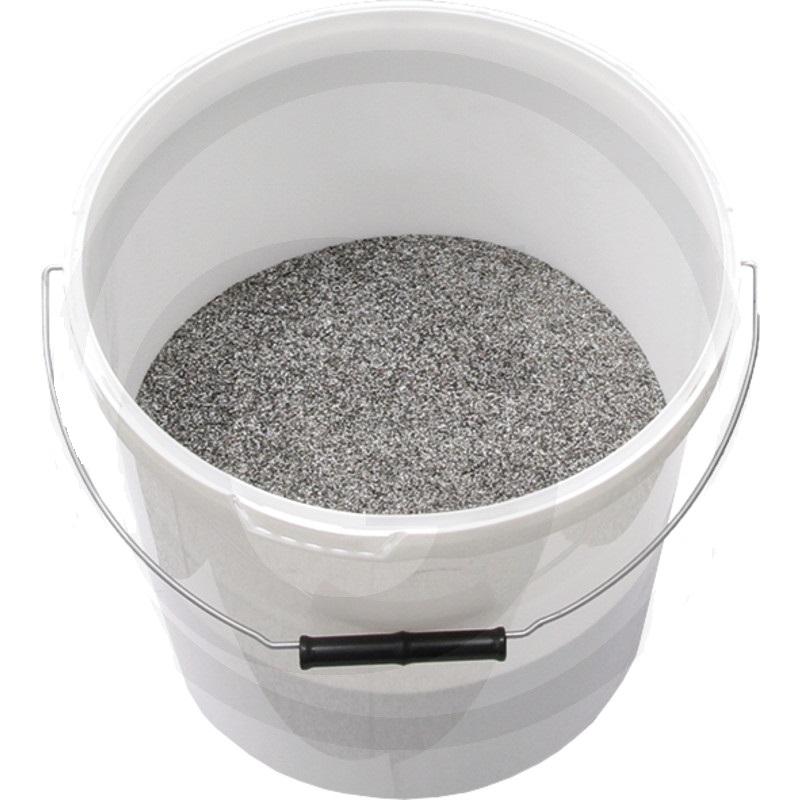Pískovací materiál kbelík 10 kg zrnitost 0,6 - 0,8 mm pro opracování oceli, betonu