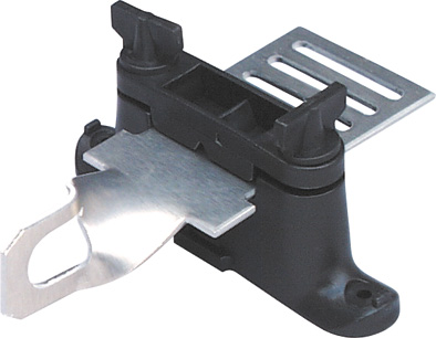 Branový izolátor propojovací plech na pásku s očkem pro Euroklemu pro elektrický ohradník