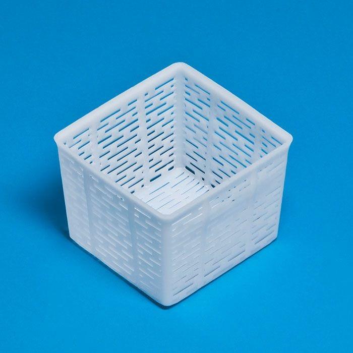 Odkapávací forma na kozí sýr, ricottu, máslo a tvaroh FA 17 čtvercová 11 x 10,5 cm 500 g