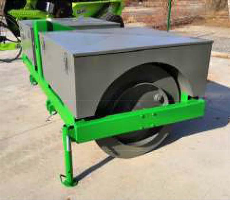 Demontovatelné zásobníky na písek nebo beton s krytem pro Agrotipa RigPactor ARP 285, 2ks