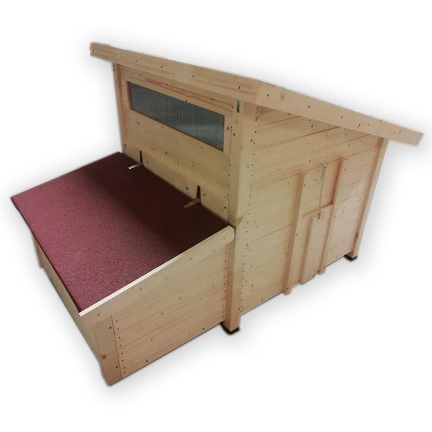 Nezateplený dřevěný kurník pro slepice Lišov český truhlářský výrobek včetně košíků